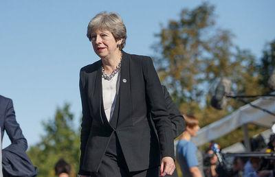 【英EU離脱】誰も「火中の栗」を拾わず-メイ英首相の運命は?