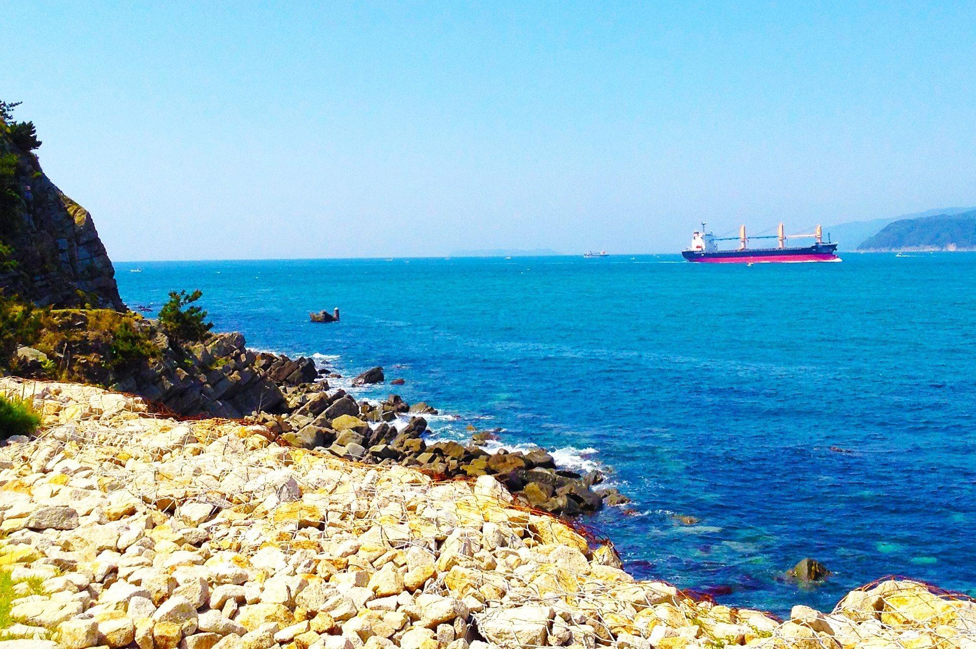 ホルムズ海峡を通過するタンカーが節税商品になる「からくり」 目を光らす国税庁