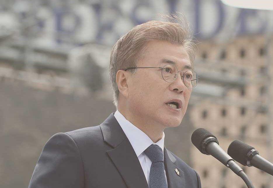 韓国、フッ化水素「輸入0」でも屈せず-日本企業が外交の犠牲に