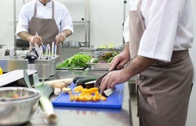 飲食店「買収」が急増 勢いが止まらないクリエイト・レストランツ