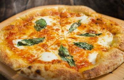 ピザを食うドーナツ「赤字転落」のダスキンが宅配事業を買収