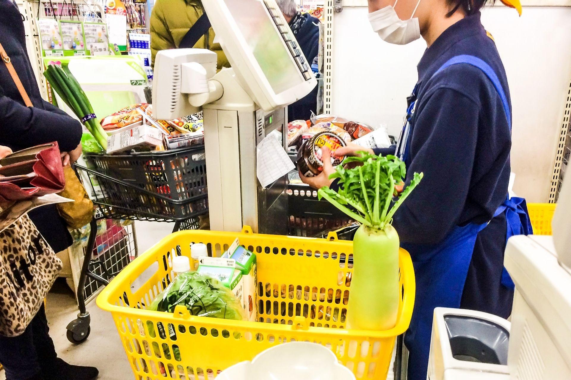 「コスト削減」のはずが…レジ袋有料化とセルフレジで万引増に?