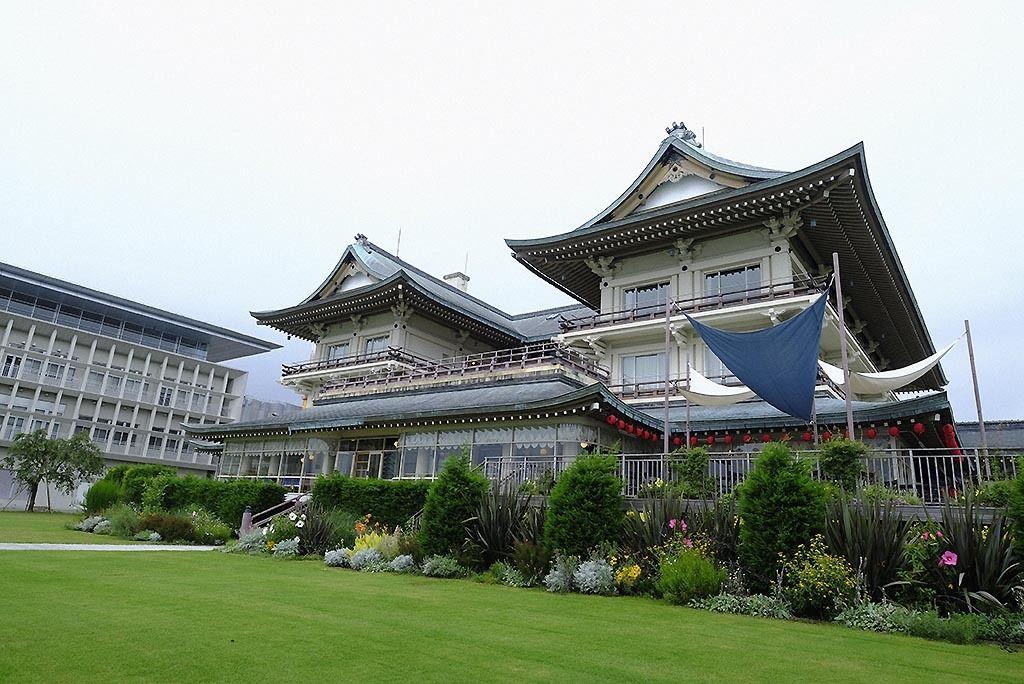 """旧琵琶湖ホテル 絢爛豪奢な""""公民館"""" 産業遺産のM&A"""