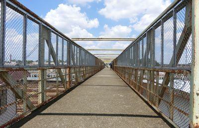 都内で電車ウオッチングするなら「三鷹の陸橋」がおススメ!