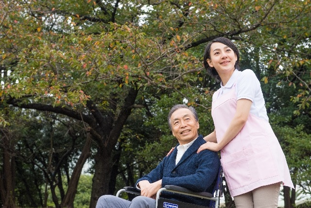 老人福祉・介護事業の倒産状況 過去最多に