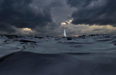 嵐の前の静けさか。コロナ禍でも「倒産」減少