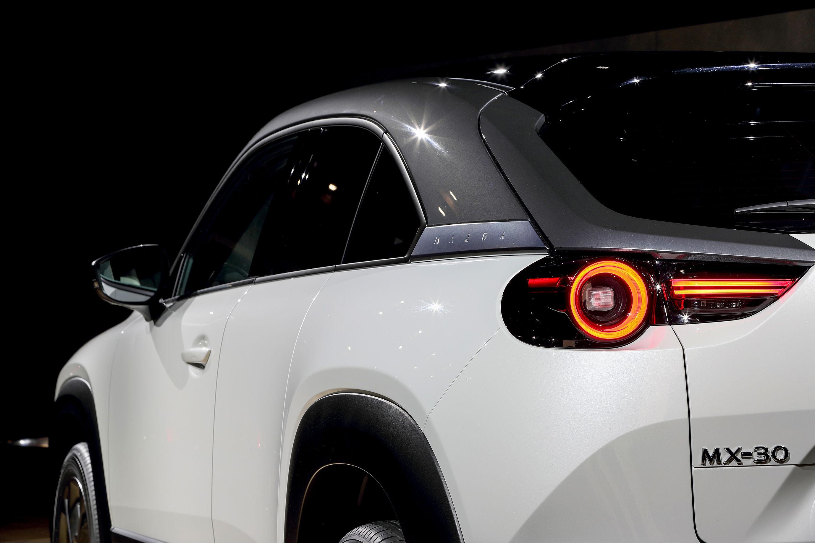 EV量産に乗り出すマツダ、「トヨタ頼み」の戦略で間に合うか?