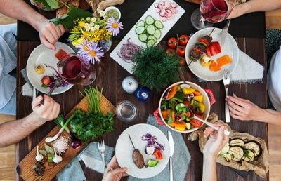 飲食時の新型コロナ感染防止策「ハウステンボス」などが次々と