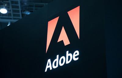 マイクロソフトにもアップルにも狙われたAdobe(アドビ)