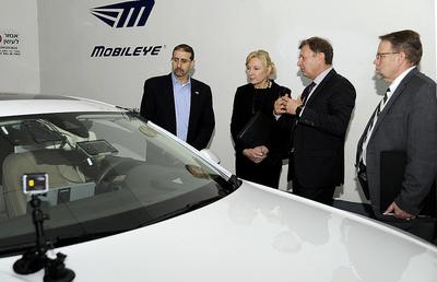 インテルがモービルアイを153億ドルで買収