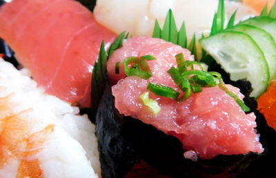 「スシロー」「くら寿司」の回転寿司大手2社に明暗