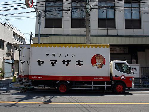 """食べるM&A パン業界の巨人、山崎製パンが見せた製菓業界への""""進撃"""""""