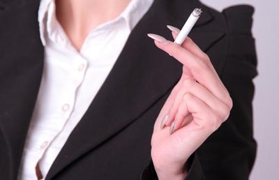 次世代たばこ「三つ巴の戦い」JTの反撃なるか?