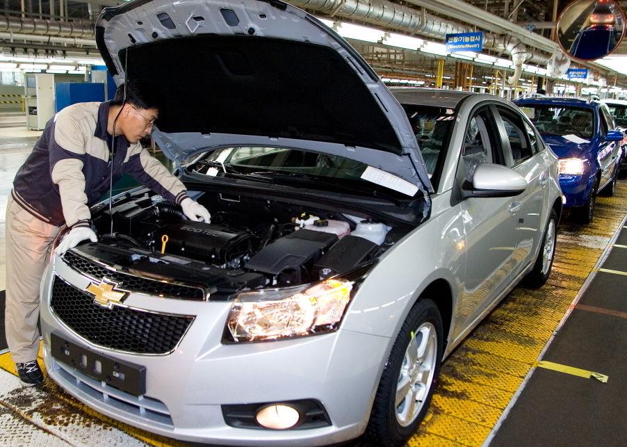 撤退騒動に揺れる韓国GMと日本車メーカーとの「深いつながり」
