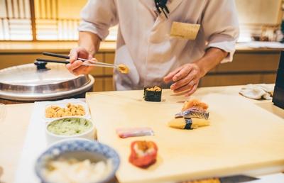 すし店の倒産が5年ぶりに増加 「スシロー」「くら寿司」は回復傾向