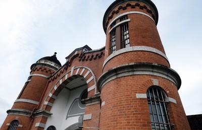 ホテル事業の再生なるか? 旧奈良監獄 産業遺産のM&A