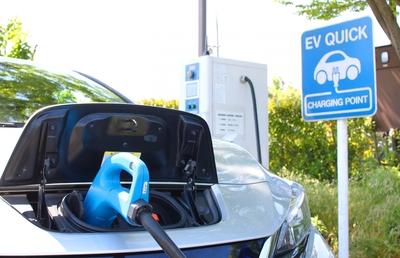 EVに「乗り遅れる」自動車メーカーが使う三つのキーワード