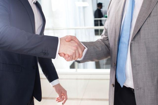 会社法制(企業統治等関係)部会、会社法中間試案において株式交付の導入を提案