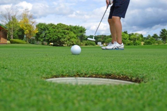 ゴールデンウィーク最終日、安くできるゴルフ場はどこ。