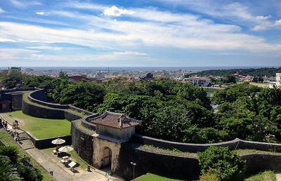 独自路線を歩む沖縄の地銀|ご当地銀行の合従連衡史