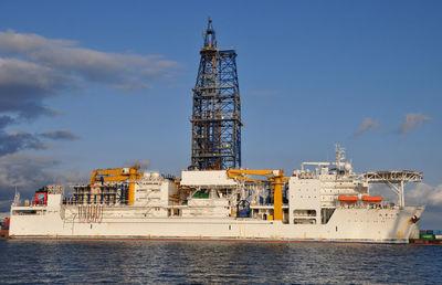 東証1部の日本海洋掘削が会社更生法を申請 負債総額904億円