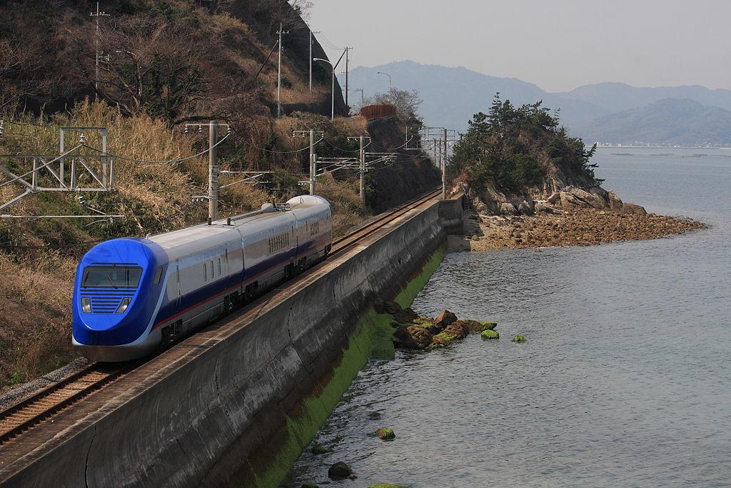 長崎新幹線の「フリーゲージトレイン断念」で四国が青ざめる理由