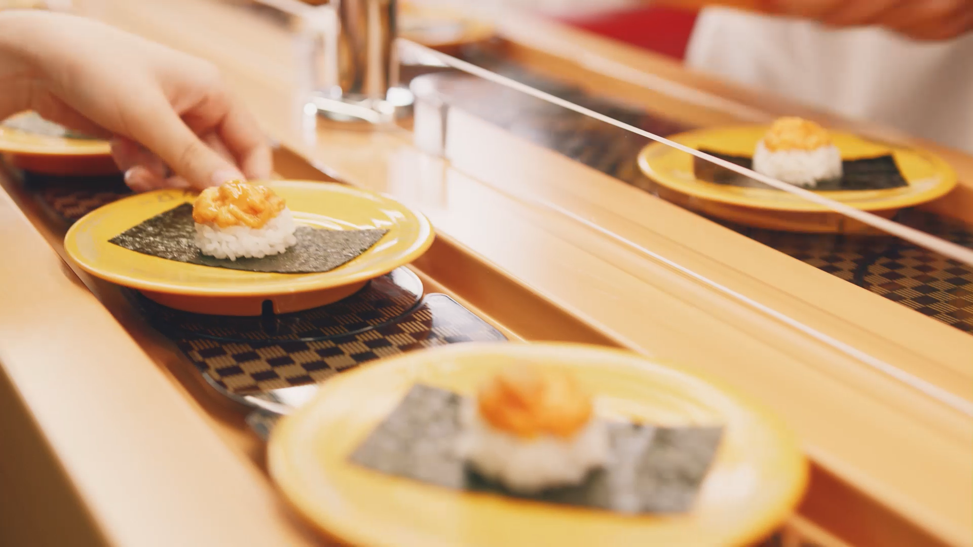 【スシローGHD】スイーツで好調な回転寿司の「甘くない現実」