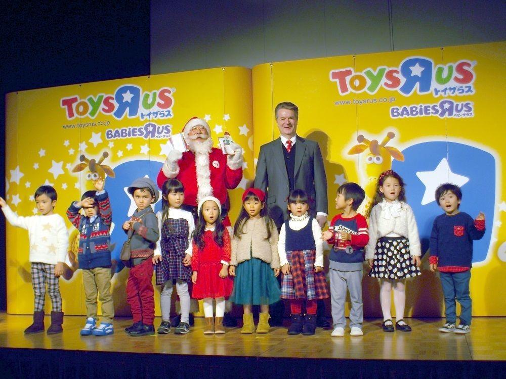 日本トイザらスがサンタ協会と提携して「ギネスにチャレンジ」!