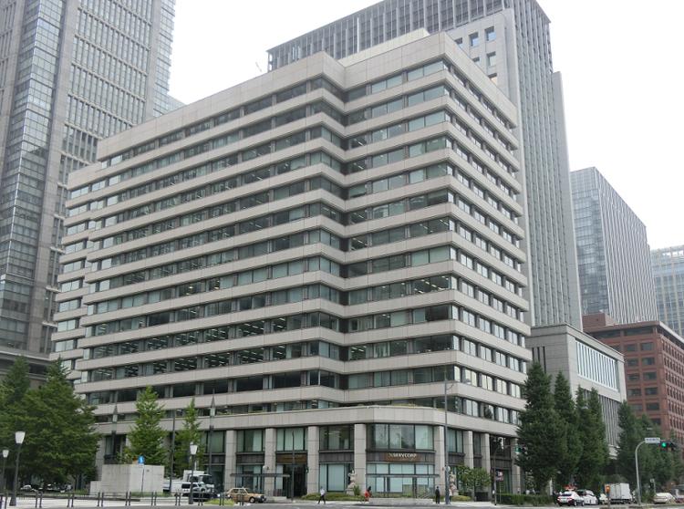 現在の日本郵政本社ビル
